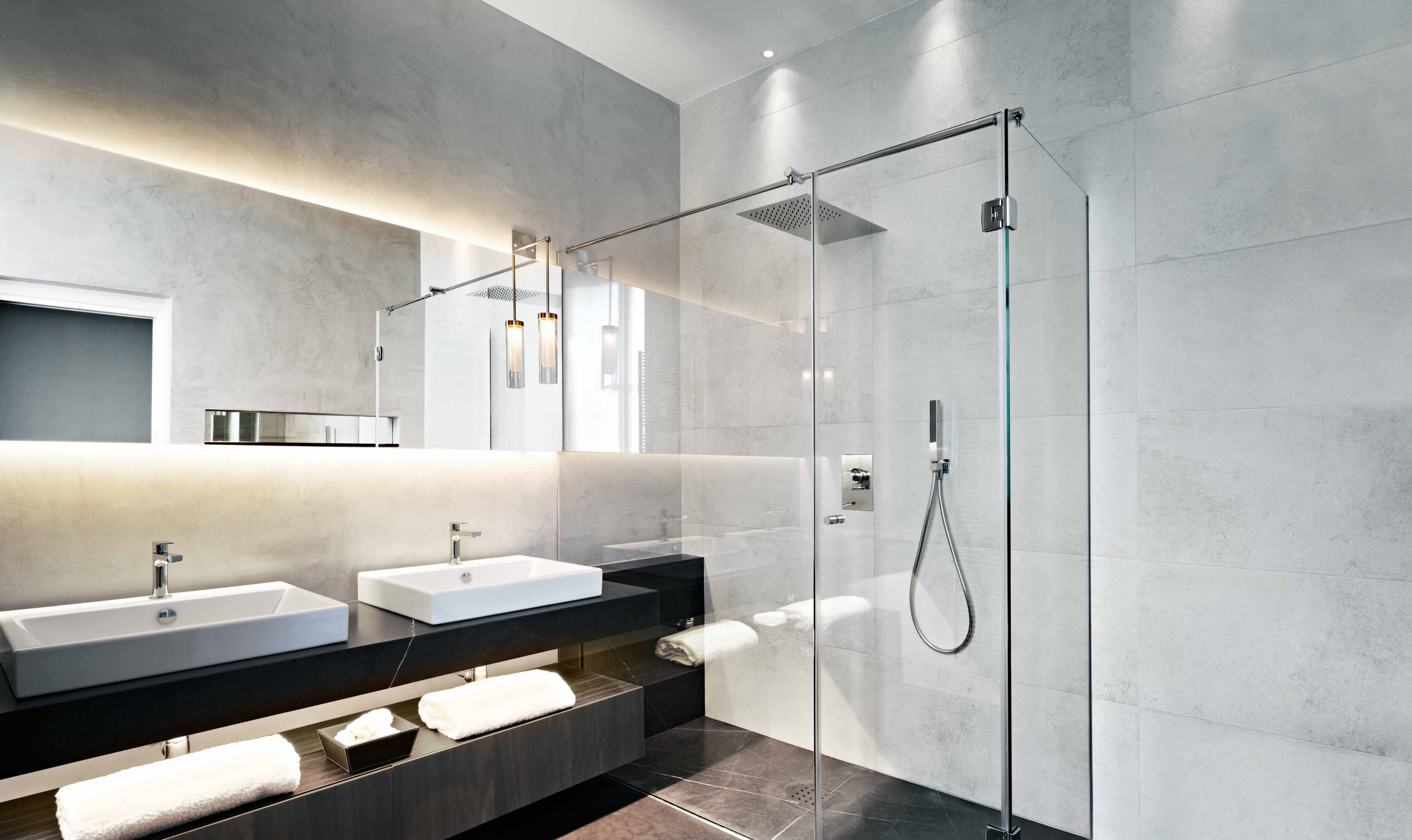 High Ceiling Bathroom John Cullen