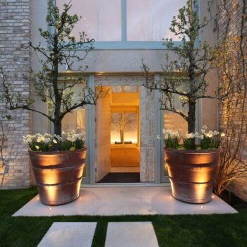 stunning contemporary entrance with view inside