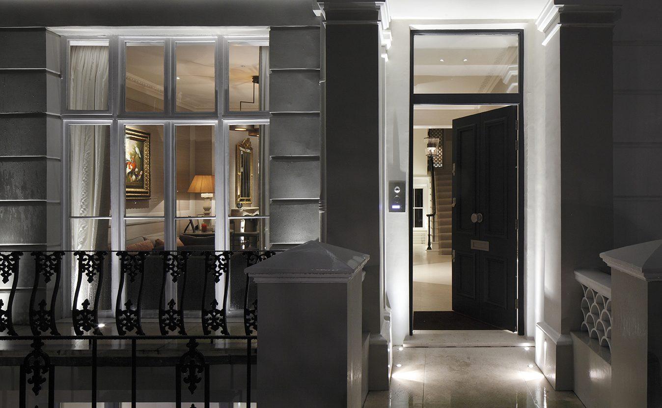 formal front door lighting