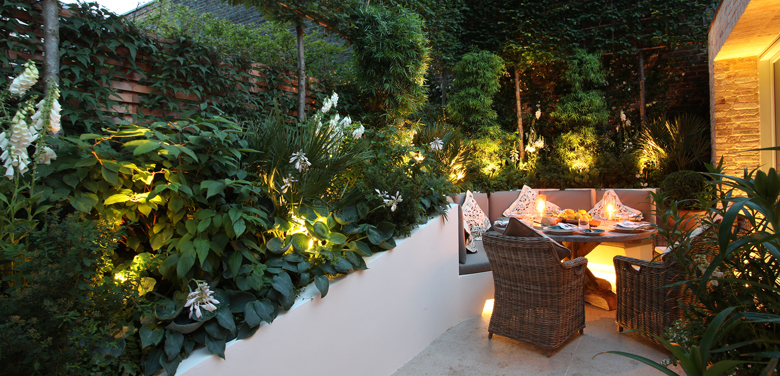 alfresco dining lighting
