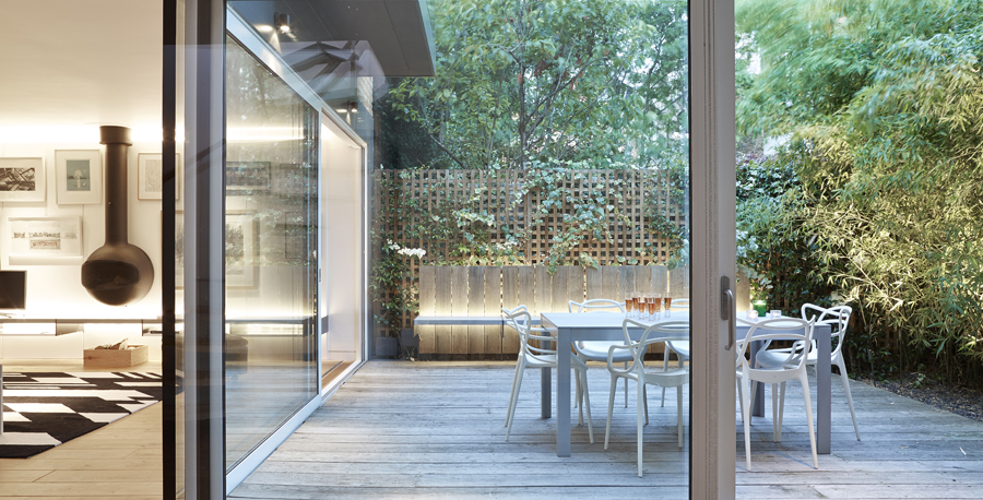 contemporary garden outside a kitchen