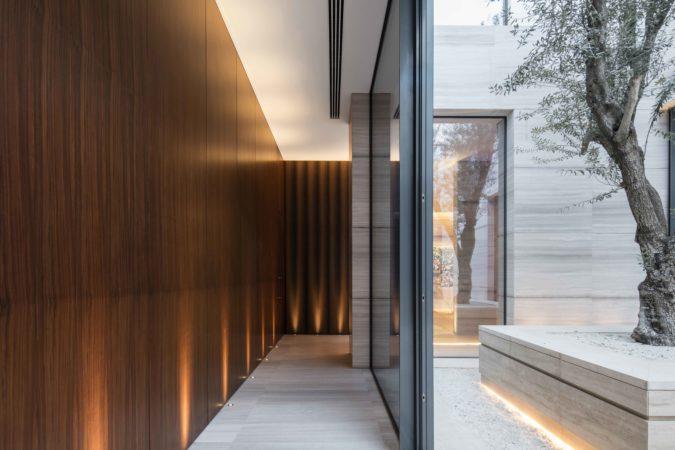 Dubai villa hallway lighting